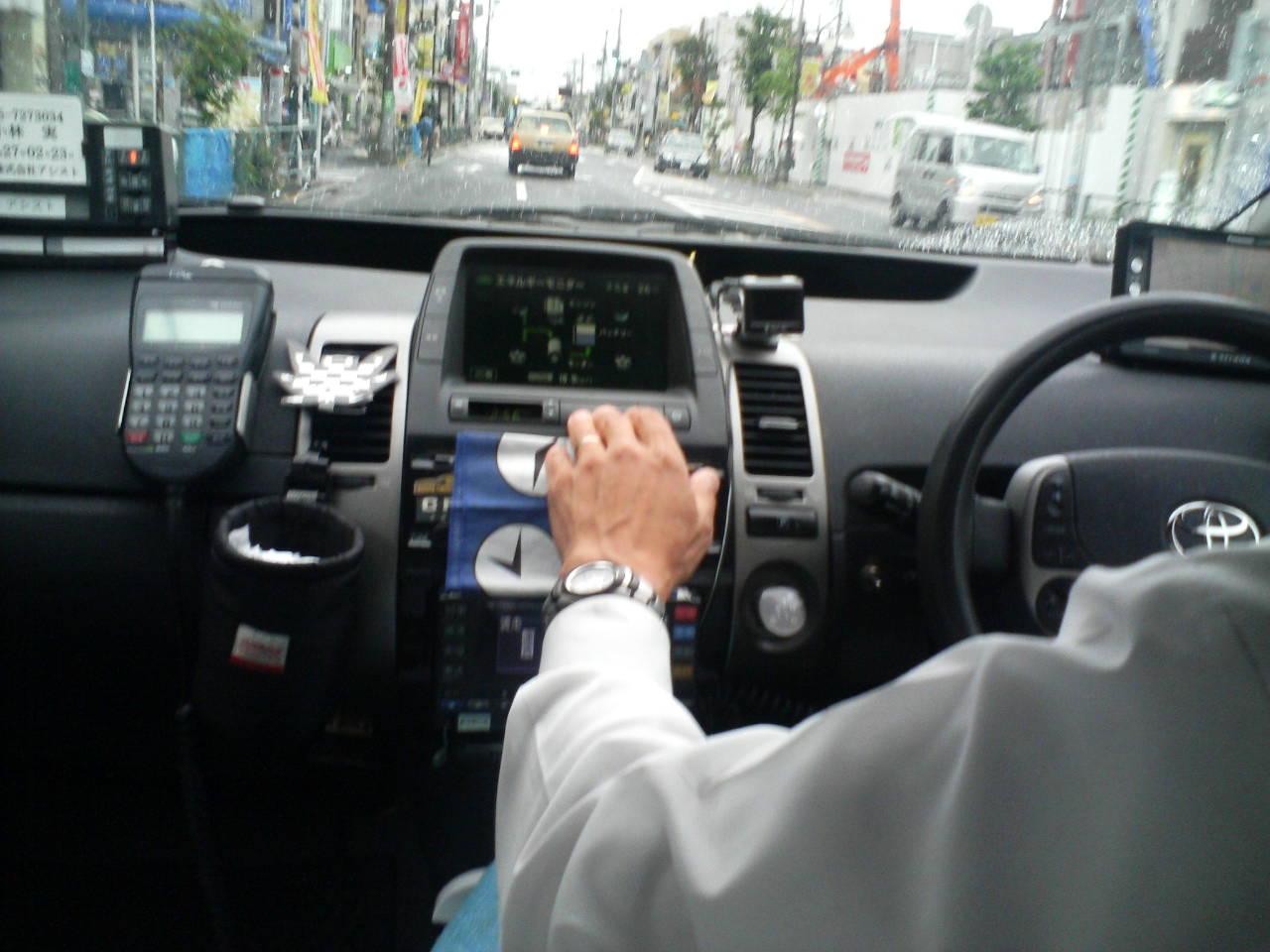 初めてプリウスのタクシー乗った!!